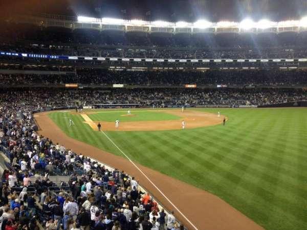Yankee Stadium, secção: 208, fila: 1, lugar: 17
