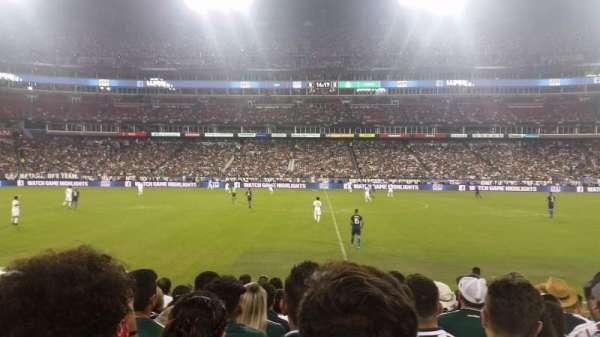 Nissan Stadium, secção: 135, fila: H, lugar: 15