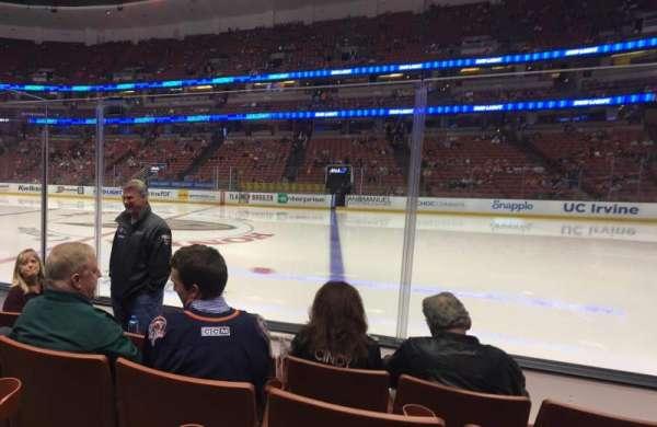 Honda Center, secção: 221, fila: D, lugar: 10