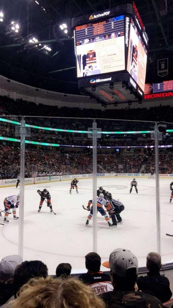 Honda Center, secção: 227, fila: E, lugar: 4