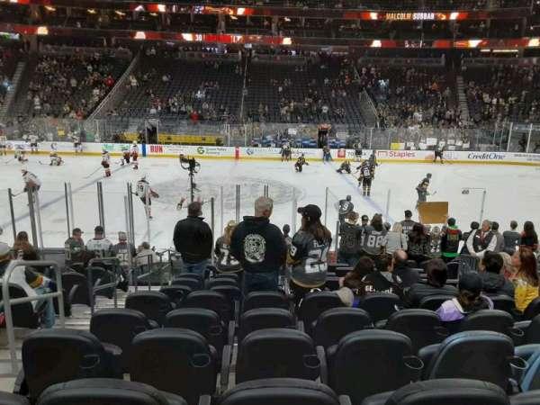 T-Mobile Arena, secção: 16, fila: J, lugar: 3