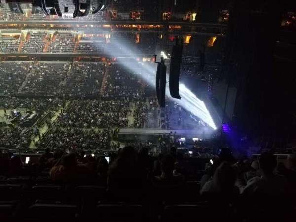 Capital One Arena, secção: 419, fila: L, lugar: 10