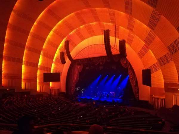 Radio City Music Hall, secção: 1st Mezzanine 1, fila: B, lugar: 101