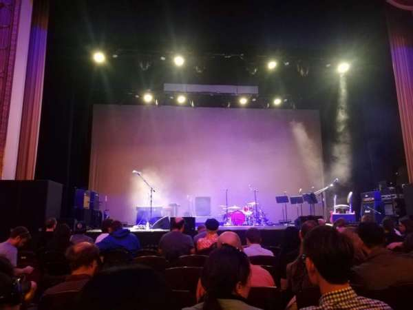 Lincoln Theatre, secção: Center ORCH, fila: F, lugar: 110