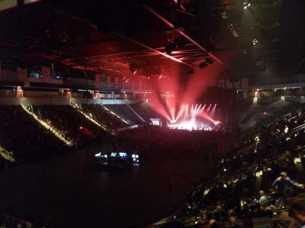 Agganis Arena, secção: 106, fila: Q, lugar: 5