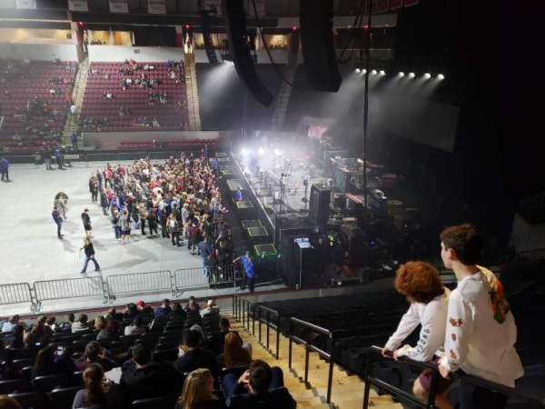 Agganis Arena, secção: 102, fila: Q, lugar: 2