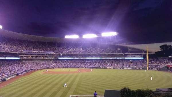 Kauffman Stadium, secção: 252, fila: EE, lugar: 9