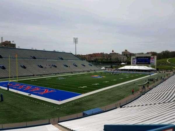 David Booth Kansas Memorial Stadium, secção: 11, fila: 29, lugar: 15