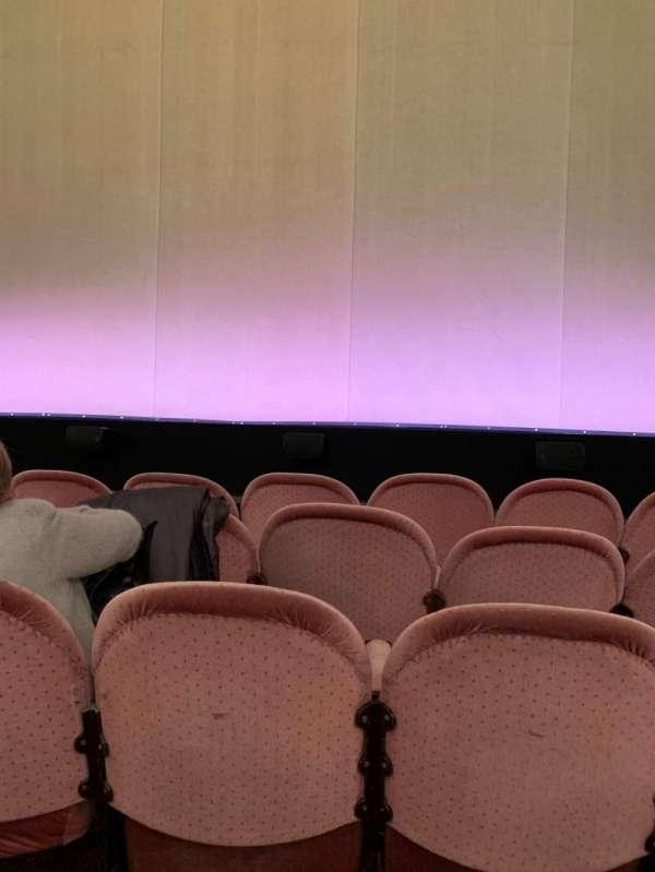 Noël Coward Theatre, secção: Stalls, fila: E, lugar: 12