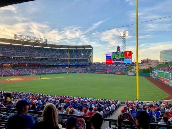 Angel Stadium, secção: T229, fila: D, lugar: 19