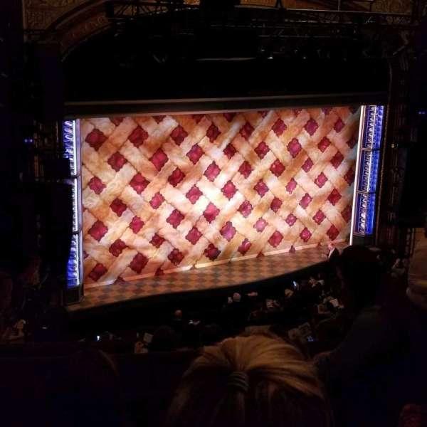Brooks Atkinson Theatre, secção: Rear Mezzanine L, fila: H, lugar: 7