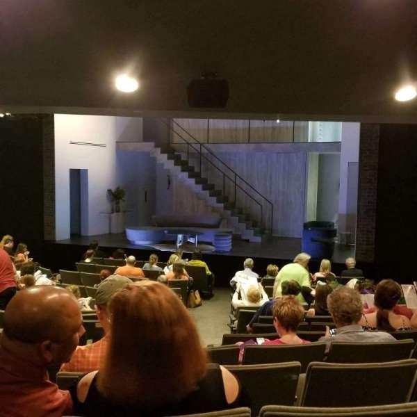Laura Pels Theatre, secção: Orch, fila: Q, lugar: 6