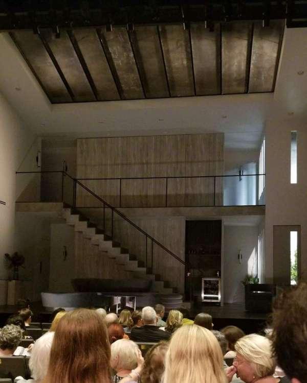 Laura Pels Theatre, secção: Orch, fila: J, lugar: 104