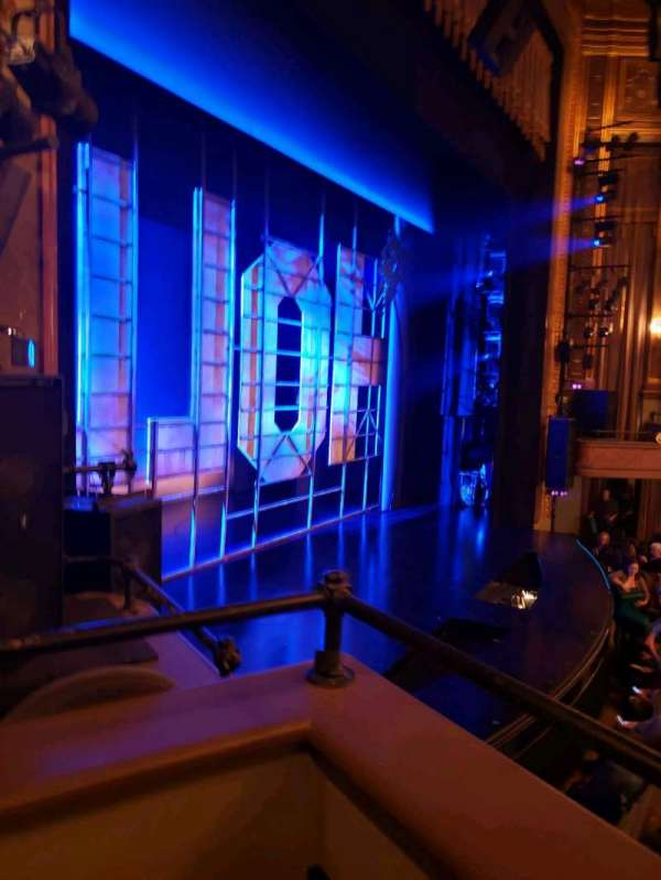 Nederlander Theatre, secção: Left Box, fila: E, lugar: 2