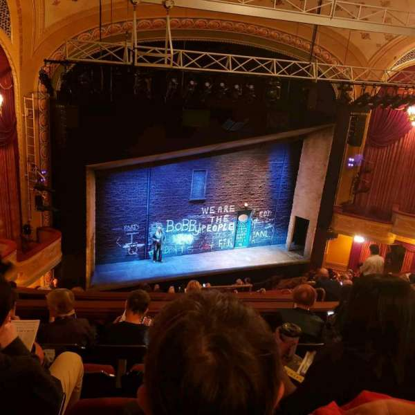 Bernard B. Jacobs Theatre, secção: Mezz, fila: J, lugar: 17