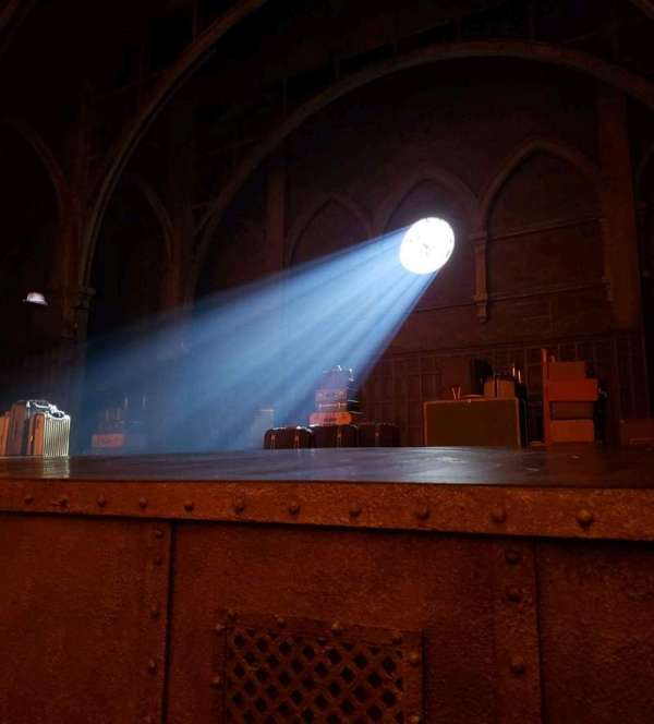 Lyric Theatre, secção: Orch, fila: A, lugar: 18