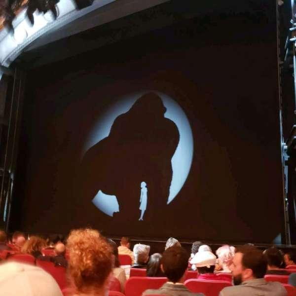 Broadway Theatre - 53rd Street, secção: Orchestra R, fila: J, lugar: 9