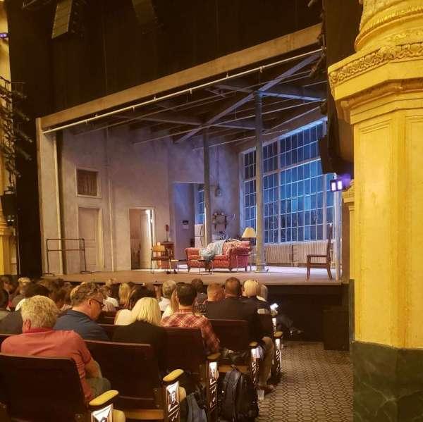 Hudson Theatre, secção: Orchestra R, fila: M, lugar: 12