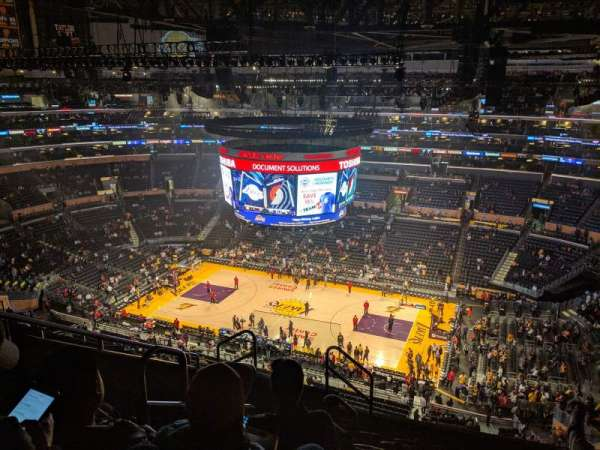 Staples Center, secção: 333, fila: 8, lugar: 15