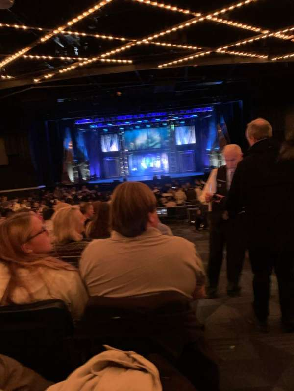 Hulu Theater at Madison Square Garden, secção: 200, fila: M, lugar: 16
