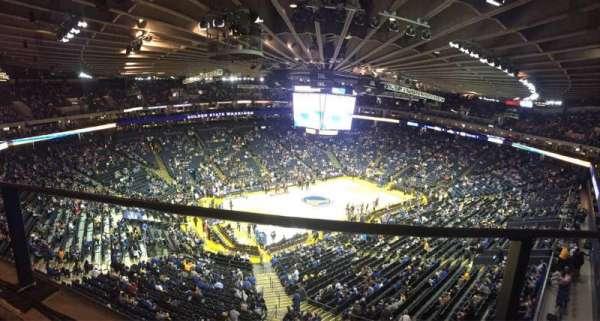 Oakland Arena, secção: 220, fila: 1, lugar: 10