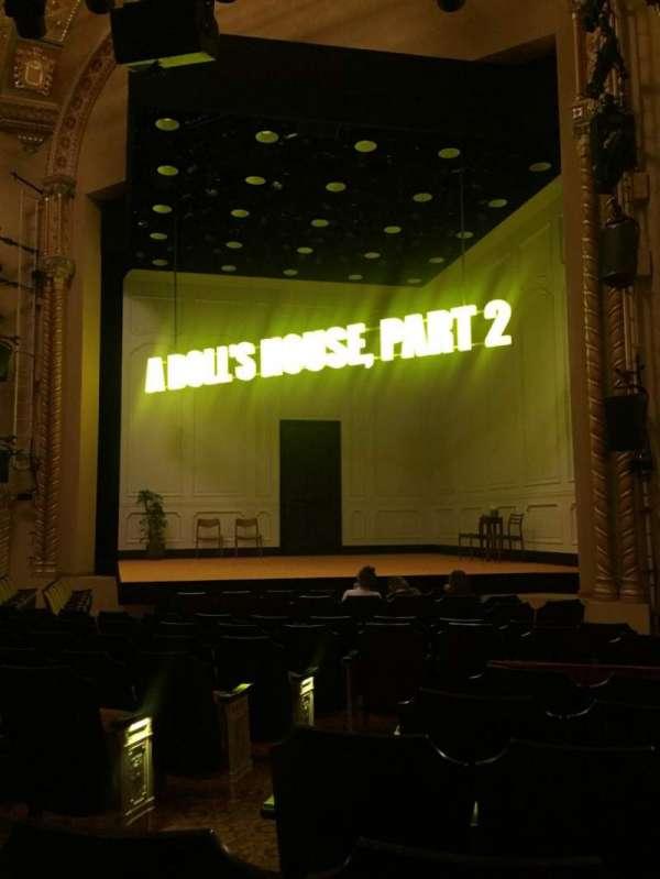 John Golden Theatre, secção: Orch, fila: M, lugar: 6