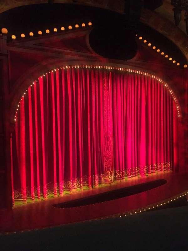 Shubert Theatre, secção: Mezzanine L, fila: A, lugar: 11