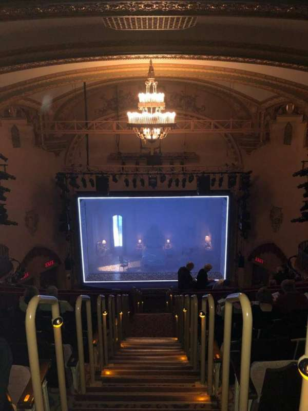 John Golden Theatre, secção: Rear Mezz, fila: H, lugar: 102