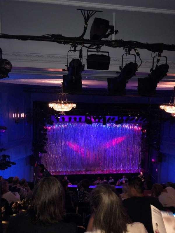 Hayes Theater, secção: Mezzanine C, fila: J, lugar: 112