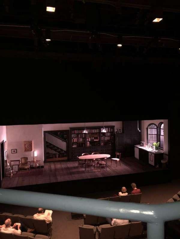 Laura Pels Theatre, secção: Mezz, fila: AA, lugar: 112