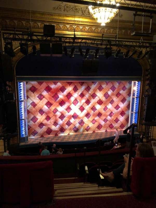 Brooks Atkinson Theatre, secção: Rear Mezzanine LC, fila: E, lugar: 123