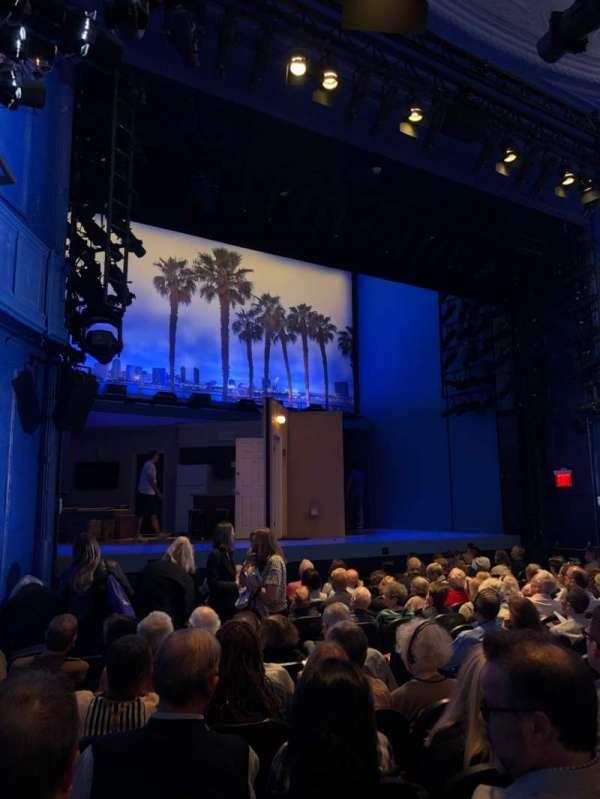 Hayes Theater, secção: Orchestra L, fila: N, lugar: 11