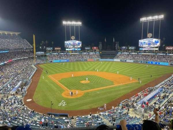 Dodger Stadium, secção: 4RS, fila: C, lugar: 8
