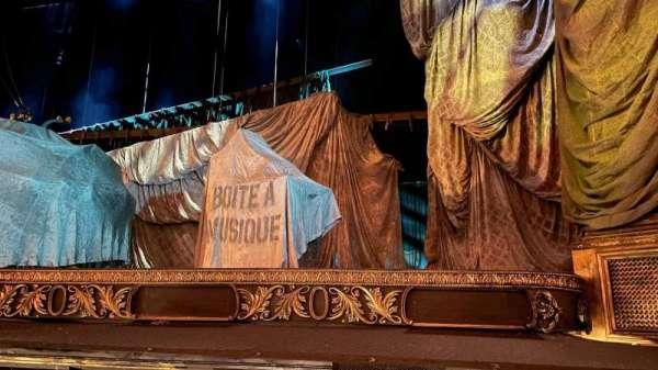 Her Majesty's Theatre, secção: Stalls, fila: A, lugar: 12