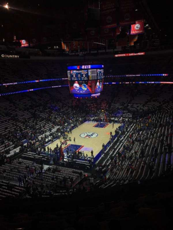 Wells Fargo Center, secção: 209, fila: 7, lugar: 8