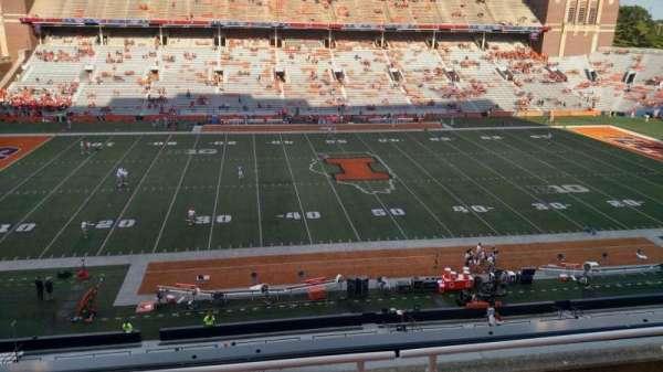 Memorial Stadium (Champaign), secção: 228, fila: 4, lugar: 16