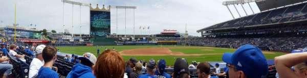Kauffman Stadium, secção: 119, fila: G, lugar: 5