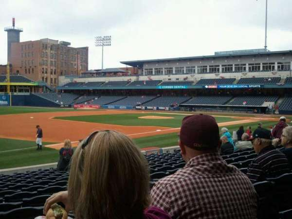 Fifth Third Field, secção: 104, fila: q, lugar: 22