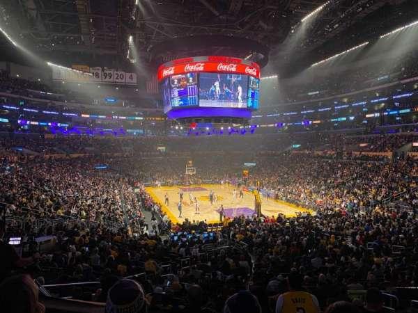 Staples Center, secção: 209, fila: 3, lugar: 4