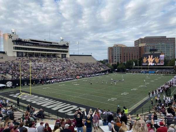 Vanderbilt Stadium, secção: 26, fila: N, lugar: 16