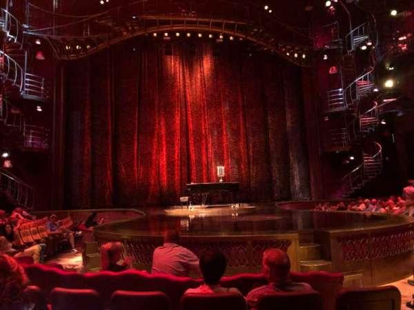 Zumanity Theatre, secção: 102, fila: D, lugar: 17