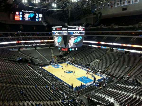 American Airlines Center, secção: 305, fila: CC, lugar: 4