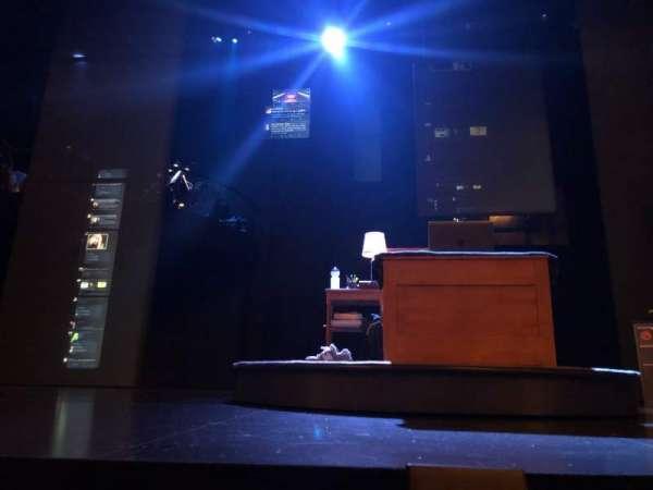 Music Box Theatre, secção: Orchestra C, fila: A, lugar: 105