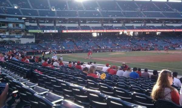 Angel Stadium, secção: 129, fila: k, lugar: 1