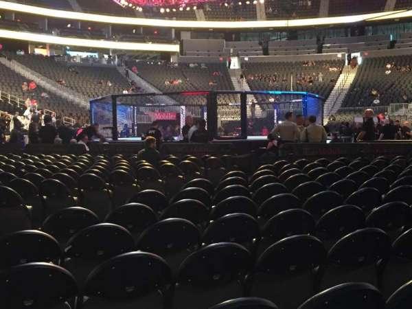 T-Mobile Arena, secção: 1, fila: 3, lugar: 17