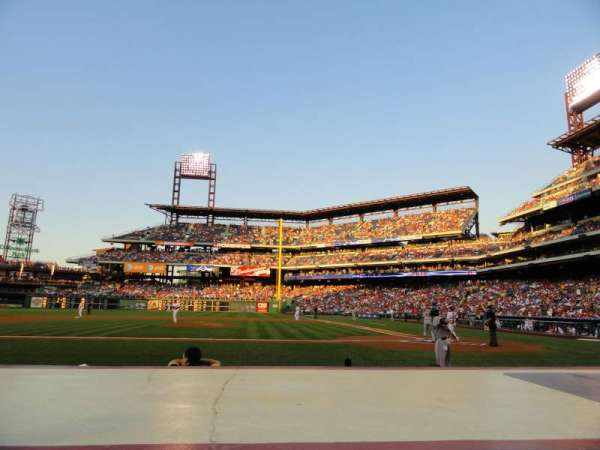 Citizens Bank Park, secção: 129, fila: 2, lugar: 7