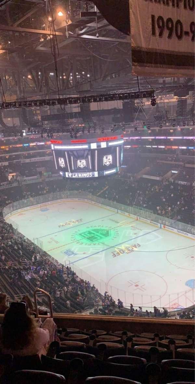 Staples Center, secção: 330, fila: 7