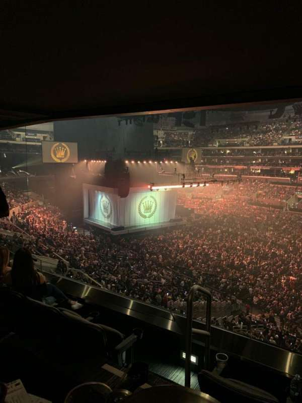 Staples Center, secção: Suite B43, fila: SRO, lugar: 1