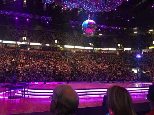 Manchester Arena, secção: Flat, fila: B, lugar: 8