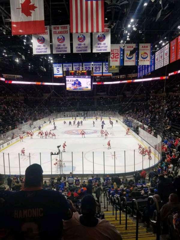 Nassau Veterans Memorial Coliseum, secção: 124, fila: 10, lugar: 1